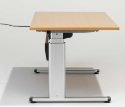 elektr h henverstellbarer schreibtisch gewindelehrdorn. Black Bedroom Furniture Sets. Home Design Ideas